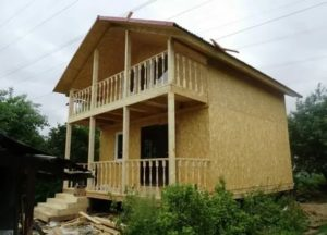 Балкон в дачном домике